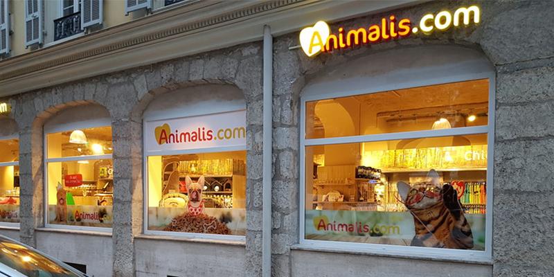 Quels sont les magasins vendant de la nourriture pour animaux ?
